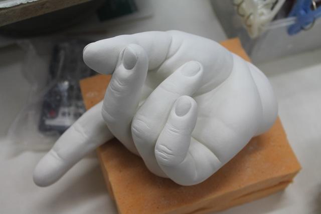 Johnson Tsang, unfired porcelain hand